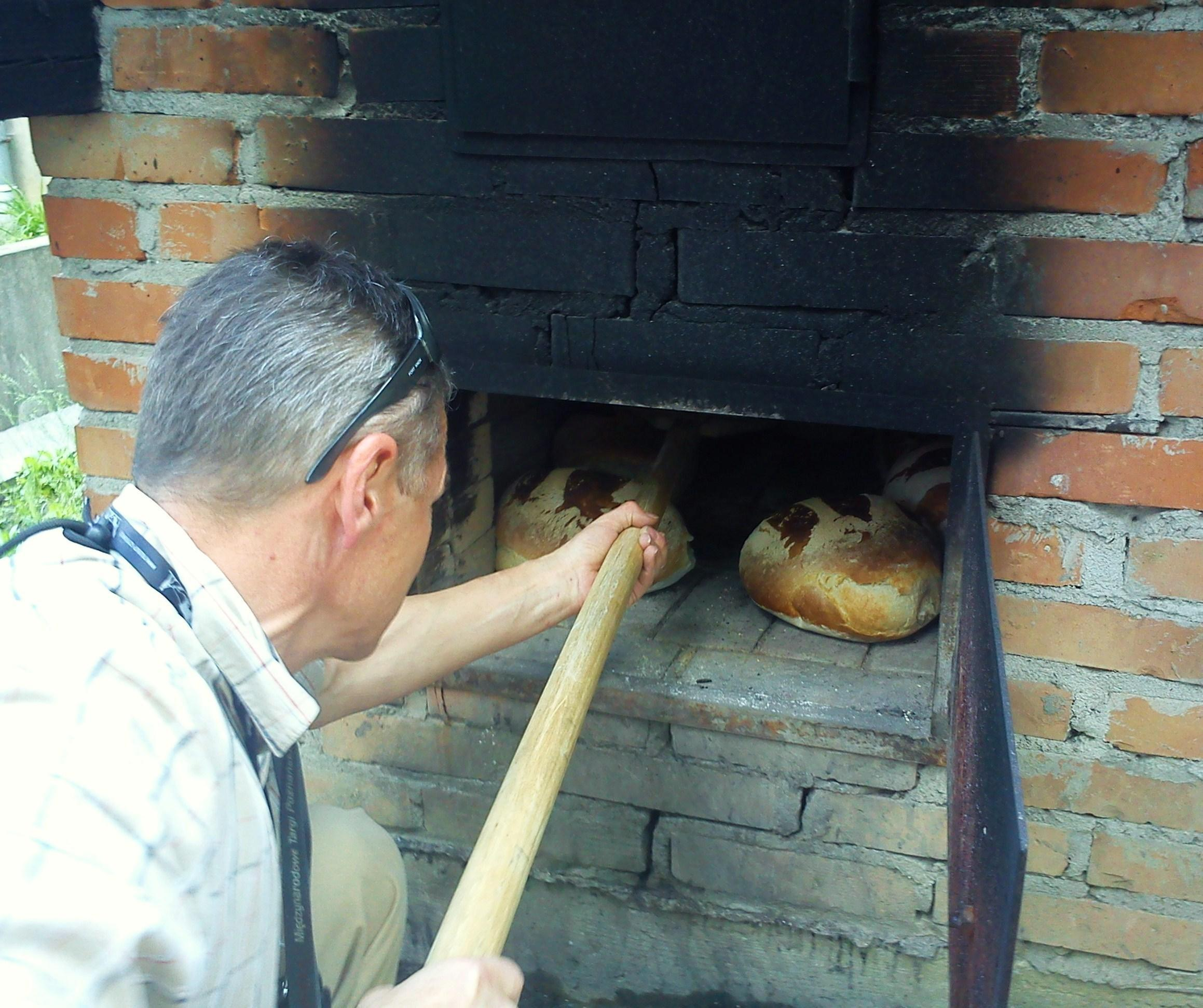 Can I Use A Normal Home Oven To Bake Bread?
