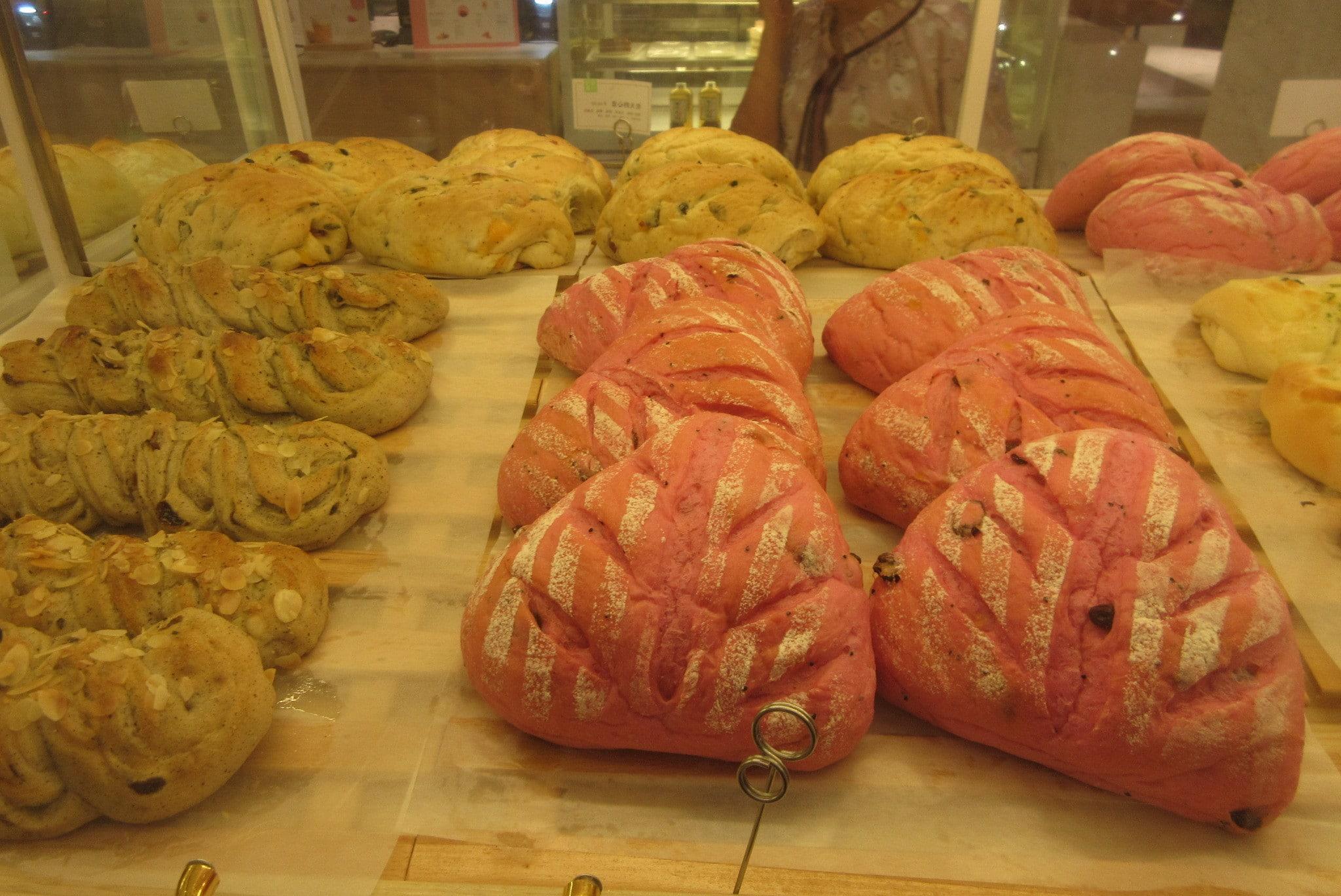 use a levain to raise bread