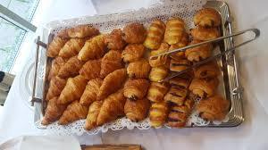 Croissants pain au raisin