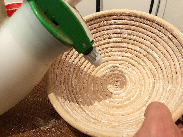 Preparing a new banneton