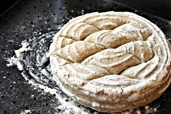 Cutting prevents dense bread