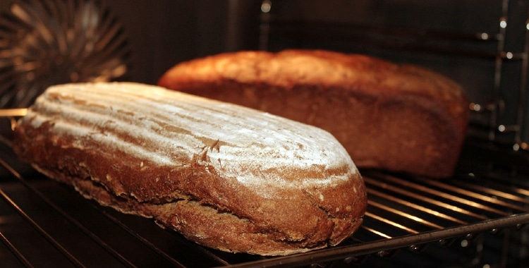 how to make bread crusty again