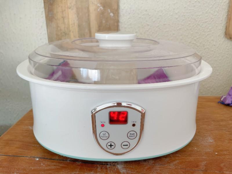 Proofing bread in a yoghurt maker