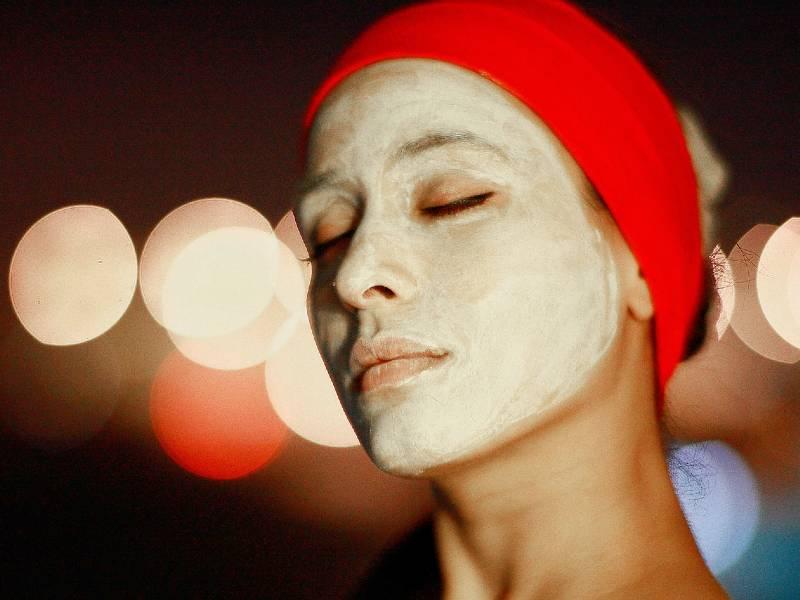 Make a sourdough face mask