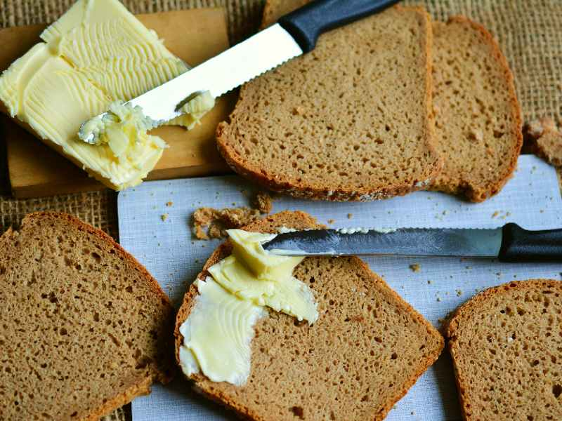Wholemeal bread is a healthy and tasty choice.